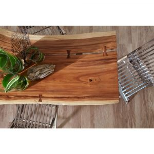 Table on Laminate flooring   Hughes Floor Coverings Inc.